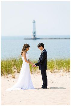 Harbor Lights Resort Wedding on the beach | Rayan Anastor Photography | Frankfort MI Wedding Photographer