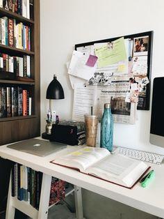 Study Break, Study Hard, Study Space, Desk Space, Bureau Design, Bibel Journal, Study Room Decor, Study Corner, Study Organization