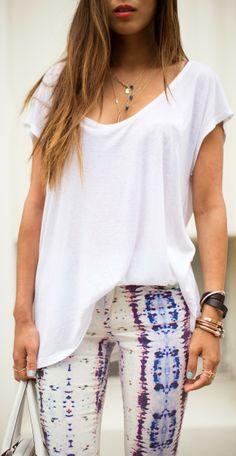 Printed denim skinny pant and loose t-shirt