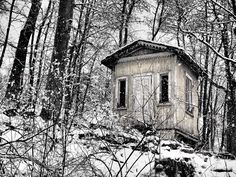 An old house in Ruissalo Turku. Olympus & Zuiko Old house in snow storm Snow, Deviantart, House Styles, Eyes, Let It Snow