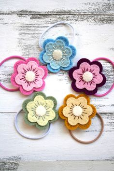 Super sweet hair elastics. Looks pretty simple for the granddaughters :)