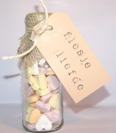 DIY wedding favors – you can easily do it yourself Little Presents, Diy Presents, Little Gifts, Diy Wedding Favors, Wedding Gifts, Original Gifts, Jar Gifts, Love Gifts, Homemade Gifts