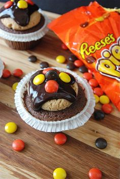 Wow, I have found the ultimate cupcake recipe. How can you go wrong with peanut butter and chocolate!  Thanks, Jessica.