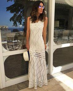 Viciada em vestidos longos  Look @hitoficial para mais um dia lindo em Capri  #italy #capri #eurosummer