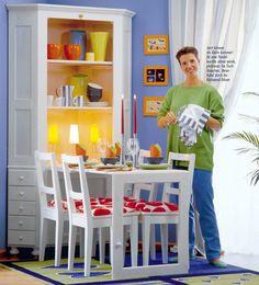 DIY corner storage cabinet transforms into dining table for four. So cool! http://www.selbst.de/moebel-holz-artikel/holzarbeiten-moebel/2-1-eckschrank-und-esstisch-143267.html