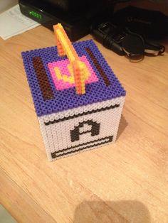 caja con letras,hama beads