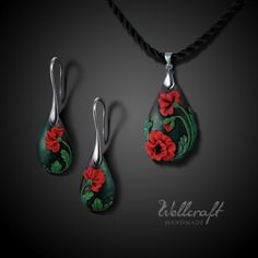 """by Katerina from Estonia, who uses the brand """"Wellcraft"""". Polymer Clay Christmas, Polymer Clay Canes, Polymer Clay Flowers, Polymer Clay Pendant, Fimo Clay, Polymer Clay Projects, Polymer Clay Creations, Polymer Clay Earrings, Clay Crafts"""