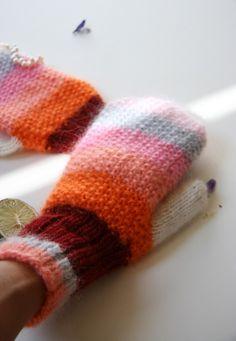Berry Rainbow mittens
