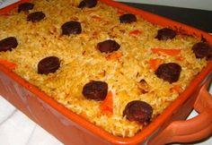 Arroz de pato   Ingredientes:  1 pato  2 chouriços médios  2 cebolas  2 ramos de salsa  2 tomates grandes maduros  3 dentes de alho  500g d...