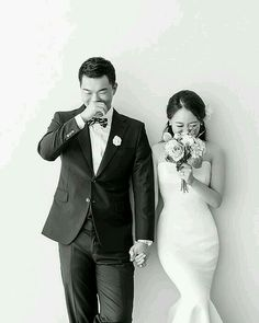 37 Korean Wedding Photos That Are Elegant And So Natural That Will Make Marriage Plans For The Next Summer - Hochzeit Pre Wedding Photoshoot, Wedding Poses, Wedding Shoot, Wedding Couples, Dream Wedding, Wedding Dresses, Summer Wedding, Married Couples, Photoshoot Ideas