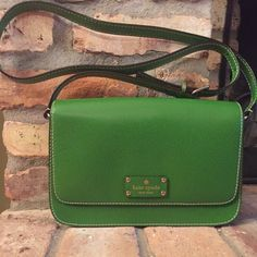 """Like New! Kate Spade Green Leather Crossbody Purse No marks inside or out, like new condition and authentic. 10.5"""" across, 7"""" tall and 2.5"""" deep on the bottom. Strap is longest at 21"""" tall. kate spade Bags"""