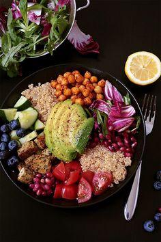 In 5 Schitten zur veganen und gesunden Lunch Bowl - Simple et Chic - Fashion & Lifestyle Blog (Quinoa Recipes)