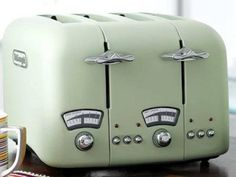 Delonghi Vintage Icona Toaster Cream Just Because We It