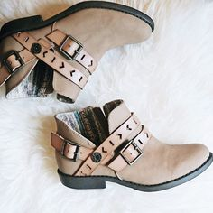 Saddle up for spring with Anotole! This Blowfish Shoes bootie is perfect for transitioning from winter to spring. Anotole features two decorative straps at the vamp and another at the ankle. It's cut out design makes it easy to pair with skinny jeans or a dress!