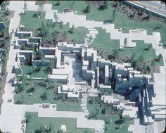 http://upload.wikimedia.org/wikipedia/commons/c/cf/Aerial_of_Freeway_Park,_1970s.jpg