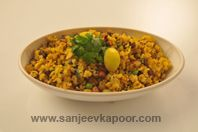 Oats Kande Pohe : The popular Maharastrian snack made with oats and pohe. How To Make Oats, Sanjeev Kapoor, Oats Recipes, Everyday Food, Eating Well, Starters, Indian Food Recipes, Healthy Life, Desi