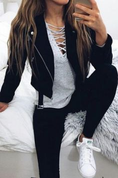 30 Chic Fall / Winter Outfit Ideas – Street Style Look. - Street Fashion, Casual Style, Latest Fashion Trends - Street Style and Casual Fashion Trends Outfit Jeans, Cute Outfits With Jeans, Grey Shirt Outfits, Adidas Jacket Outfit, Skinny Jean Outfits, Skinny Jeans, Mode Outfits, Fashion Outfits, Fasion