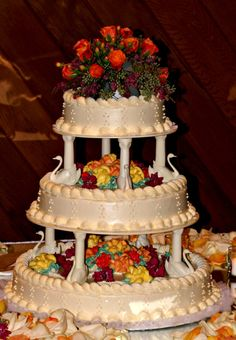 Beautiful and vibrant colors for a fall wedding!