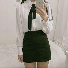 Korean Fashion – How to Dress up Korean Style – Designer Fashion Tips Korean Skirt Outfits, Cute Skirt Outfits, Simple Outfits, Casual Outfits, Korean Fashion Trends, Asian Fashion, Girl Fashion, Fashion Outfits, Looks Kawaii