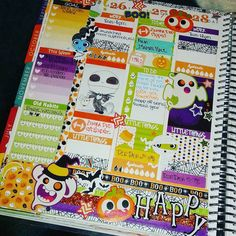 Midweek already?? Time is flying....and I may be getting sick!!....let's hope not! #planneraddict #happyplanning #planningwithbelinda #plannernerd #erincondrenlifeplanner #erincondren #eclifeplanner #halloweentheme by wanabear747