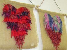 Kakkosluokkalaisten joulukäsityö on ollut solmittu jouluryijy. Love Valentines, Valentine Crafts, Rya Rug, Pom Pom Crafts, Reuse, Little Ones, Crafts For Kids, Weaving, Textiles