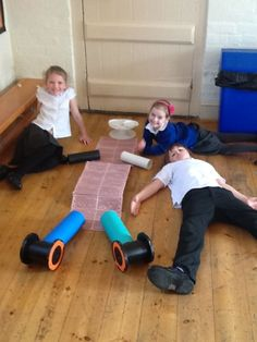 Our Portable Playground resources being used in a KS1 Science lesson learning about Our Bodies.                                            Gloucestershire Resource Centre http://www.grcltd.org/scrapstore/
