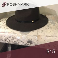 NWT Forever 21 Olive/Black Fedora Hat Brand new- never been worn! Great hat for all occasions. Forever 21 Accessories Hats