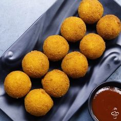 """Potato Cheese Balls Ingredients :  500 gm Boiled Potato 150 gm Mozzarella…"""""""