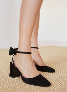 Uterqüe United Kingdom Product Page - Footwear - View all - Suede slingback shoes with detachable bow - 95