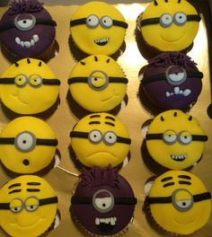 Lots if minions cupcake, despicable me make by butterfly bakes of st Neots uk xx