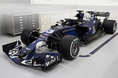 Red Bull on Monday became the third team to launch its 2018 Formula challenger.Say hello to the Aston Martin Red Bull Racing-TAG Heuer constructors' Red Bull F1, Red Bull Racing, F1 Racing, Racing Team, Ferrari Red, Grand Prix, Course Red Bull, Nascar, Robert Kubica