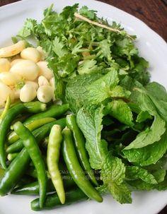 Best Thai Food, Greens Recipe, Thai Recipes, Green Beans, Vegetables, Thai Food Recipes, Vegetable Recipes, Veggies
