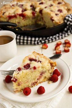 Raspberry Rhubarb Skillet Coffee Cake - afarmgirlsdabbles.com #rhubarb #raspberry #coffeecake