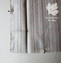 Die perfekte Tischtuchecke mit verschieden breiten Nahtzugaben – PeterSilie & Co Curtains, Home Decor, Baby Steps, Step By Step Instructions, Random Stuff, Table, Tutorials, Parsley, Blinds