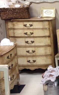Vintage French Provincial Dressers Makeover. I'd love to do this to a bedroom set I have.