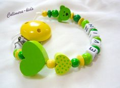 Schnullerkette mit Namen - Herzchen + Minibär grün von Calimera-Kids - Schnullerketten auf DaWanda.com