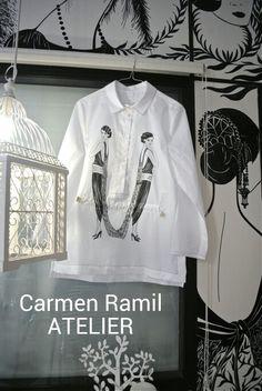 Sobre camisa pintada a mano por Carmen Ramil