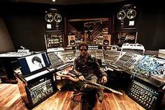 Sounds like: Lenny Kravitz Lenny Kravitz, Music Studio Room, Home Studio, Vintage Rock, Prince Paisley Park, Bahamas Island, Recording Studio Design, Studio Gear, Studio Interior
