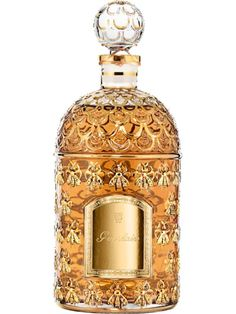Shalimar is the first oriental perfume in history.L'Eau de Parfum Shalimar is a mythic fragrance with bergamot, iris and vanilla notes ; Perfume Hermes, Perfume Versace, Perfume Diesel, Perfume Bottles, Parfum Guerlain, Fragrance Parfum, Perfume Calvin Klein, Perfume Fahrenheit, Beauty Products
