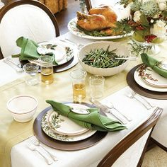 Holiday Branch Serveware