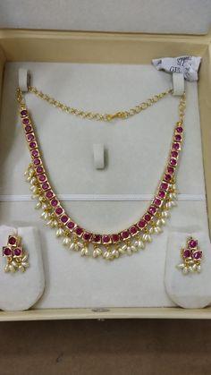 Gold Earrings For Kids, Gold Jewelry Simple, Golden Jewelry, Ruby Jewelry, Stylish Jewelry, Beaded Jewelry, Antique Jewellery Designs, Gold Jewellery Design, Gold Buttalu
