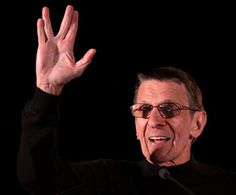Leonard Nimoy attends his final Star Trek convention... Live long and prosper!