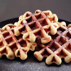 Belgische vanillewafels 1 Snack Recipes, Snacks, Pie Cake, Cake Cookies, Food Inspiration, Waffles, Bakery, Sweet Treats, Deserts