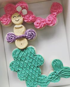 12 Unique Cupcake Ideas - Find Your Cake Inspiration Mermaid Cupcake Cake, Little Mermaid Cupcakes, Mermaid Birthday Cakes, Happy Birthday Cupcakes, Little Mermaid Parties, Mermaid Cakes, Flower Cupcakes, Cupcake Cakes, Birthday Parties