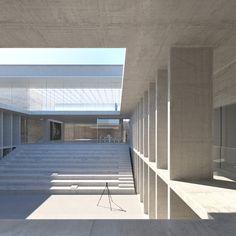 Marc Barani remporte le concours pour l'Ecole nationale supérieure de la photographie d'Arles Espaces vides, mono-matière, déterminés a minima par la structure du bâtiment et le travail sur la lumière naturelle. Le passage des lieux t...