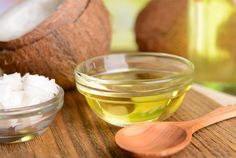 """Natural Remedies For Chest Congestion - It's called the """"honey wrap"""" and it's an extremely effective way to remove mucus from lungs and treat bad coughs. Coconut Hair, Coconut Oil For Acne, Coconut Oil Uses, Organic Coconut Oil, Home Remedies, Natural Remedies, Bad Cough Remedies, Asthma Remedies, Health Remedies"""