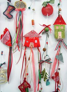 xanthippe's arts & crafts: christmas ornaments Easy Christmas Decorations, Christmas Crafts For Kids, Xmas Crafts, Diy Christmas Ornaments, Christmas Projects, Diy And Crafts, Arts And Crafts, Christmas Mood, Christmas Goodies