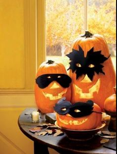 haloween pumpkins with masks