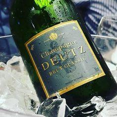 Champagne DEUTZ Brut Champagne Deutz, Happy New Year, France, House Design, Wine, Drinks, Bottle, Drinking, Beverages