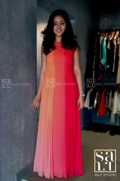 Long Gown Dress, Frock Dress, Casual Frocks, Casual Dresses, Kurti Designs Party Wear, Salwar Designs, Dress Designs, Gown Party Wear, Frocks And Gowns